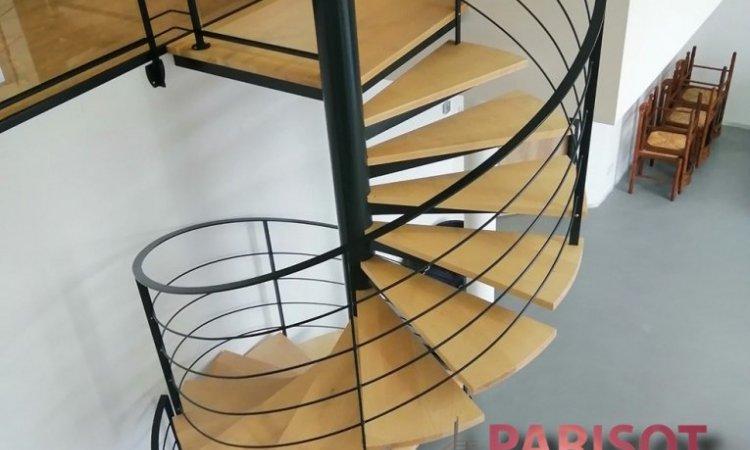 Escalier hélicoïdale métal et bois sur mesure, Vesoul, Métallerie PARISOT Jocelyn