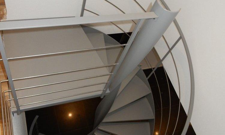 Escalier hélicoïdale métal sur mesure, Vesoul, Métallerie PARISOT Jocelyn
