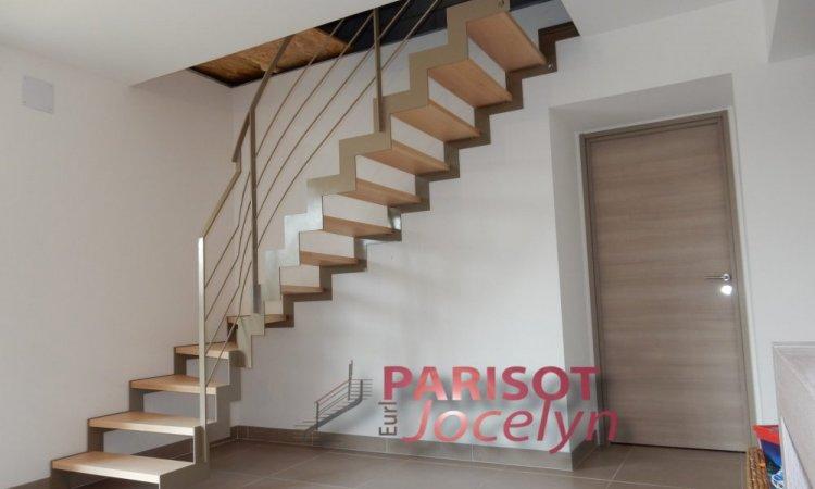 Escalier limon latéral crémaillères 1/4 tournant sur mesure, Vesoul, Métallerie PARISOT Jocelyn