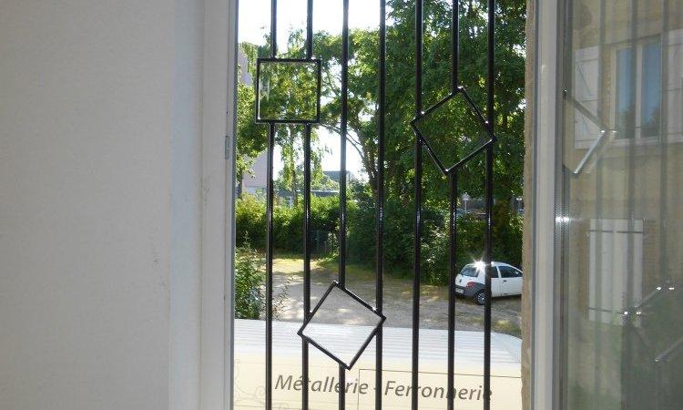 grille de défense protection de fenêtre fer forgé sur-mesure,  Vesoul, Métallerie PARISOT Jocelyn
