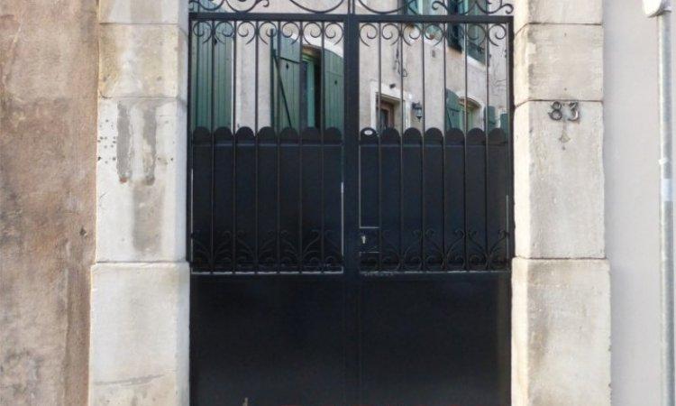 Portails et portillons fer forgé avec soubassement  fait sur mesure à l'atelier  Métallerie PARISOT Jocelyn Vesoul