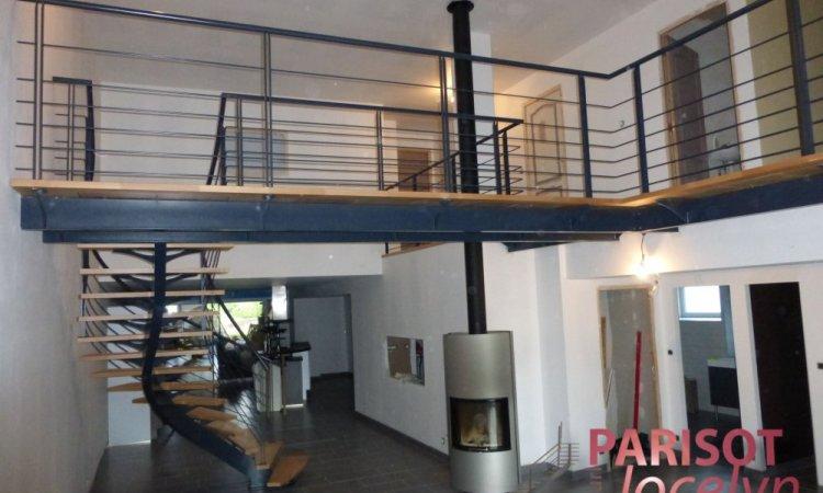 Mezzanine sur mesure structure métallique avec planchers bois sur Vesoul, Métallerie PARISOT Jocelyn
