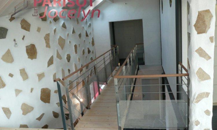 Passerelle sur mesure structure métallique avec planchers bois sur Vesoul, Métallerie PARISOT Jocelyn