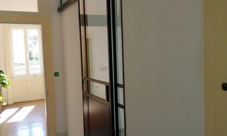 Verrières métal style atelier porte coulissante sur-mesure, à Vesoul, Métallerie PARISOT Jocelyn